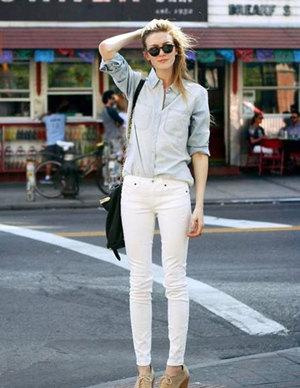 白裤子配什么上衣好看