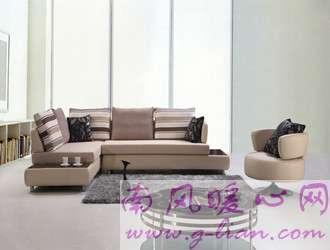 周末放松好方法 整理房子清洗时尚布艺沙发