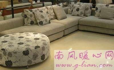 家和沙发情有独钟 沙发给人以吸引力和归属力