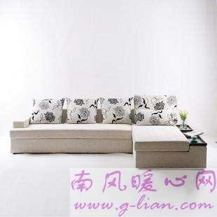 新款布艺沙发在质感与色彩中感受温暖