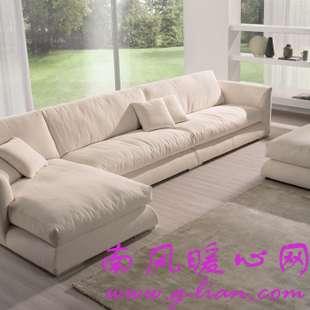 布艺沙发魅力无限时尚不逊于流行时装