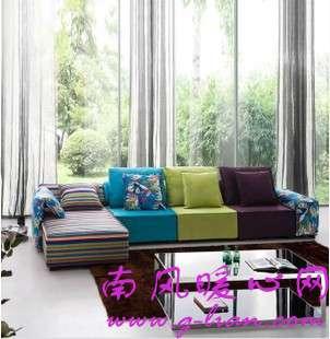 为家中的布艺沙发做一次清洁 让沙发消暑一下吧